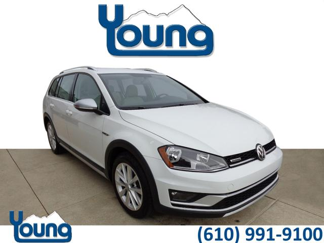 Certified Pre-Owned 2017 Volkswagen Golf Alltrack TSI SE