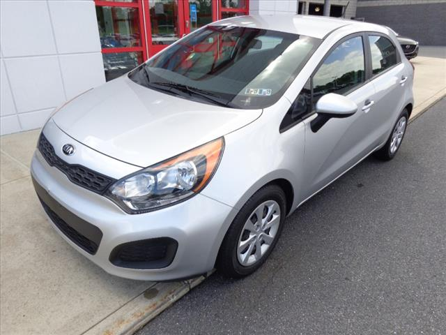 Pre-Owned 2014 Kia Rio 5-Door LX